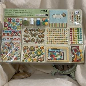 Scrapbook Kit 734 pieces. NEW.